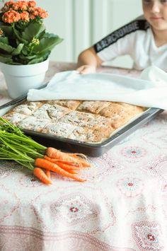 Mehevät porkkanasämpylät uunipellillä - Sweet Food O´Mine Freshly Baked, Bread Baking, Bon Appetit, Bread Recipes, Sweet Recipes, Homemade, Food, Bread Making, Loaf Recipes