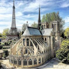 Church Architecture, Amazing Architecture, Interior Architecture, France Miniature, Places Around The World, Around The Worlds, Tour Eiffel, Barcelona Cathedral, Places To Visit