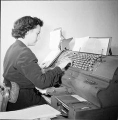 Μηχανή έκδοσης λογαριασμών της ΔΕΗ το 1956