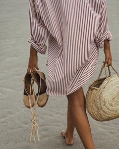 Summer outfit | striped shirt | sandals | straw bag | oversized shirt | straw | ootd | what to wear this summer