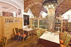 Cucina con Testina: GOLDENER ADLER - HERZOG - FRIEDRICK STR. 6 - 6020 ...