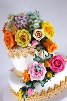 viorica's cakes: Trandafiri, hortensii si dantela
