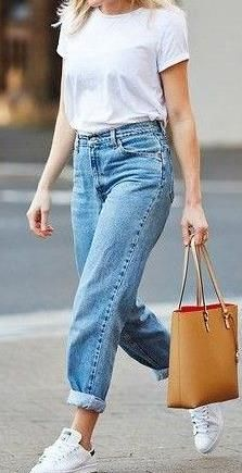 boyfriend jeans + white t-shirt