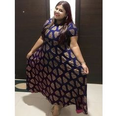 Suits suit you - Little butterflies ! Exotic Women, Indian Suits, Girls Wardrobe, Hijabs, Woman Clothing, Hindi Quotes, Suits You, Sexy Outfits, Kurti