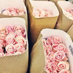 "naimabarcelona:  "" La vie en rose  """
