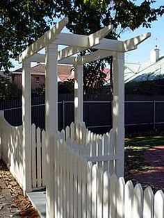 Browse Inspirational Photos for Your Home Front Garden Entrance, Front Gates, Front Yard Fence, Fenced In Yard, Arbor Gate, Garden Arbor, Garden Gates, Best Front Doors, Gate House