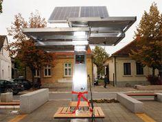 Jedan od najpoznatijih svetskih portala Mashable uvrstio je Javni solarni punjač za mobilne uređaje Strawberry Drvo na listu 25 tehnoloških inovacija koje je neophodno da se nađu u svakom gradu budućnosti.