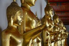 Photo made in the Lying down buddha, Bangkok. Bangkok, Temple, Statue, How To Make, Travel, Buddha, Viajes, Temples, Destinations
