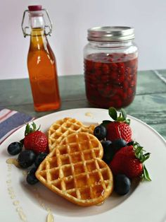 Raw rosehip syrup is a no-cook rosehip syrup recipe that uses sugar to draw the juice from the fruit resulting in a thick, delicious syrup. Gin Recipes, Cake Recipes, Cooking Recipes, Rosehip Syrup, Rosehip Recipes, Garlic Chips, Cordial Recipe, Vegetable Crisps, Wild Garlic