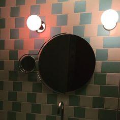 #art #architecture #arquitectura #colour #color #cool #design #diseño #mola #luisbarrero #landscape #paisaje  #arte #red #pic #picture #sun #green #sunny #cloud #sky #fine #good #best #beautiful #terremoto #granollers #toilet #mirror