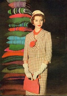 1950's. <3   Part of me wishes we'd all still dress like this. :)