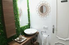 Transformación del aseo de cortesía Bathroom Lighting, Mirror, Frame, Furniture, Home Decor, Painted Tiles, Tiles, Wet Rooms, Bathroom Sinks