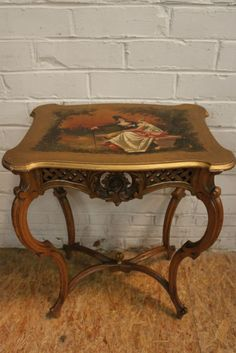 Walnut Little Romantic Louis XV coffee table with painting 19th century - Miscellaneous - Houtroos