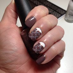 Brown color block mani
