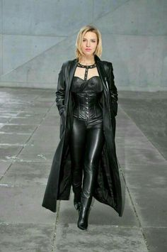 Sexy Outfits, Fall Outfits, Latex, Female Vampire, Leather Fashion, Women's Leggings, Black Women, Leather Pants, Womens Fashion