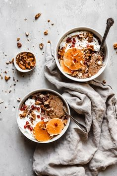 Vegan Grain Free Hot Cereal Paleo, Gluten Free) – The Banana Diaries Quick and easy grain free hot cereal oatmeal bowls that are perfect for a vegan breakfast! Made under 5 minutes, this is your go to breakfast for your morning! Foods For Healthy Skin, Good Healthy Recipes, Clean Recipes, Healthy Breakfast Recipes, Organic Recipes, Whole Food Recipes, Budget Recipes, College Recipes, Carrot Recipes
