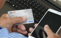Premium oder gebührenfreie Kreditkarte für Reisen?