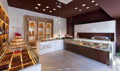 Avui és un gran dia per visitar la nostra pastisseria i gaudir de totes les opcions que tenim únicament per vosaltres 😍 Bakery Design, The Originals, Interior Design, Kitchen, Table, Furniture, Home Decor, Google, Image