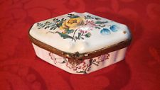 Antique Porcelain Hand Painted Veuve Perrin Snuffbox / Pillbox ca. 1740-1795