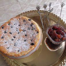 Kaiserschmarrn-Austrian Dessert Pancake Recipe on Yummly Austrian Desserts, Austrian Cuisine, Austrian Recipes, Austrian Food, Great Desserts, Cookie Desserts, Dessert Recipes, Pancake Dessert, Polish Recipes