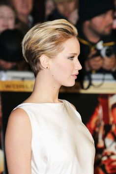 Things to try with the new short hair - Jennifer Lawrence sleek styled back