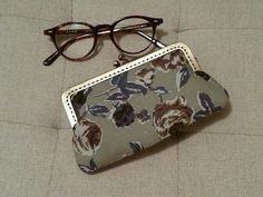 purse for my glasses