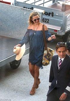 Resort wear: Kate Hudson gets a style gold star for her off-the-shoulder polka dot dress