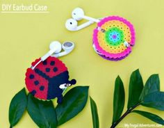 Are you looking for creative and genius DIY Perler beads Crafts? Then just take a look at these 35 Easy DIY Perler Bead Ideas that will provide you Easy Perler Beads Ideas, Diy Perler Bead Crafts, Diy Perler Beads, Pearler Beads, Diy Crafts, Earbud Holder Diy, Diy Headphones, Diy Case, Iron Beads
