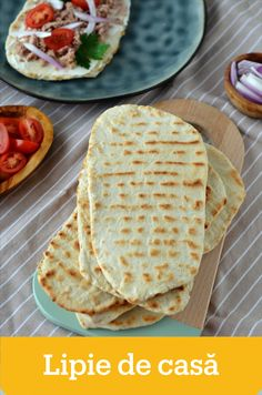 Cooking Bread, Cooking Recipes, Pita Bread, Feta, Bakery, Deserts, Goodies, Dessert Recipes, Sweets