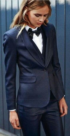 androgynous wedding dress Women In Suits You are in the right place about andro… Androgynous Fashion, Tomboy Fashion, Suit Fashion, Fashion Outfits, Girl Tux, Prom Outfits, Wedding Suits, Wedding Dress, Wedding Hair