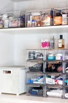 Bathroom Organization Tips + The Home Edit Container Store Collection Bat. Bathroom Organization Tips + The Home Edit Container Store Collection Bathroom Organization Tips + The Home Edit Container Store Collection Organisation Hacks, Storage Organization, College Closet Organization, Makeup Organization, Diy Storage, Storage Ideas, Bathroom Cabinet Organization, Medicine Organization, Bathroom Storage Drawers