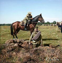 Shell hole   Воронка от снаряда 1914   Сигсон Г.А. Военнослужащие Гроховского полка у воронки от снаряда. 1914 г.