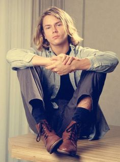 River Phoenix.....sad for him to be gone so young. I loved him!