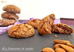 Biscotti alle mandorle - Biscuits aux amandes Ca faisait un moment que je cherchais une recette de biscuits végan et qui puisse plaire à tout le monde à la maison pour le petit-déjeuner et cette fois ça y est ! Des biscuits simples et rapides à préparer,...