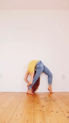 Gymnastics Wallpaper, Dance Wallpaper, Gymnastics Tricks, Gymnastics Workout, Dance Photography Poses, Gymnastics Photography, Acro Yoga Poses, Anna Mcnulty, Back Flexibility