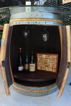 Whiskey barrel for dad? Wine Barrel Table, Wine Barrel Furniture, Wine Table, Furniture Projects, Home Projects, Barrel Projects, Whiskey Barrels, Idee Diy, Decks And Porches