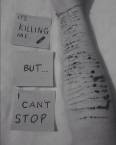 Zabíjí mě to, ale já nemůžu přestat...#anialy #citáty #quotes #selfharm #sebepoškozování http://quotags.net/ipost/1555625328646584909/?code=BWWsP6NlHpN
