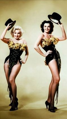 Marilyn Monroe and Jane Russell in William Travilla - 1953 - Publicity shot - Gentlemen Prefer Blondes