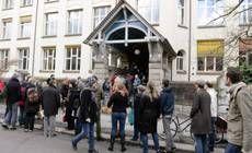 Referendum in Svizzera. Elettori spaccati ma vince sì a quote per immigrati