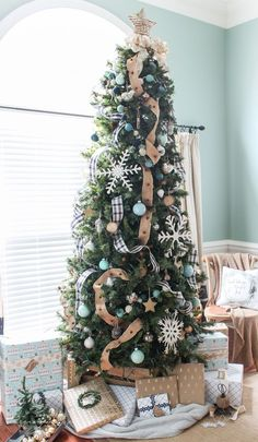 Navy Buffalo Check and Turquoise Christmas Tree - Beautiful Christmas Decorating Ideas 12 Foot Christmas Tree, Best Artificial Christmas Trees, Christmas Tree Themes, Plaid Christmas, Rustic Christmas, Christmas Home, White Christmas, Holiday Decor, Christmas Mantles