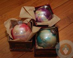 DIY Marbled Christmas Ornament