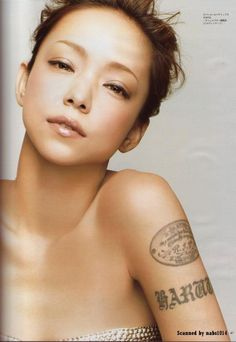 Namie Amuro with her meaningful tattoo dedicated to her only son and her lost mom Girl Tattoos, Tatoos, Prity Girl, Beautiful People, Beautiful Women, Dewy Skin, Kpop, Iconic Women, Meaningful Tattoos