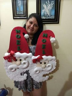Valéria Luiz's media content and analytics Christmas Makes, Christmas Wood, Christmas Projects, Handmade Christmas, Christmas Time, Christmas Wreaths, Merry Christmas, Christmas Ornaments, Santa Crafts