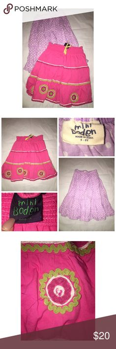 Mini Boden 2PC Skirt Lot Pre•loved Mini Boden 2PC Skirt Lot • Size 5/6 • Made of 100% Cotton • The pink skirt is missing one the Green beads • Otherwise, good condition Mini Boden Bottoms Skirts