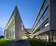 Centre for Photovoltaics and Renewable Energy in Munich by Henn