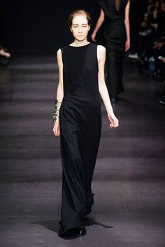 Ann Demeulemeester Fall 2014 Ready-to-Wear Collection - ELLE.com