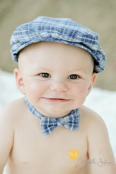 Adorable baby boy with a bow tie Little Babies, Little Boys, Sweet Baby Ray, Baby Park, Baby Faces, Adorable Babies, Atticus, Future Baby, Baby Ideas