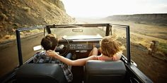 Check Out These 15 Top Country Driving Songs For Your Next Road Trip Country Music Playlist for Your Next Roadtrip Royal Caribbean, Snacks Road Trip, Road Trips, Road Trip Portugal, Travel Essentials, Travel Tips, Fun Travel, Vacation Travel, Travel Ideas