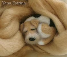 Needle felting tutorial for sleeping dog by Yanna Estrina. DIY - How To - Брошка Needle Felted Animals, Felt Animals, Felt Crafts, Fabric Crafts, Needle Felting Tutorials, Felt Dogs, Sleeping Dogs, Wet Felting, Felt Art