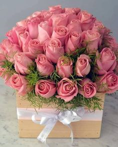 Very Beautiful Flowers, Amazing Flowers, Rose Flower Wallpaper, Happy Birthday Flower, Flower Arrangements Simple, Luxury Flowers, Rose Bouquet, Floral Bouquets, Pink Roses